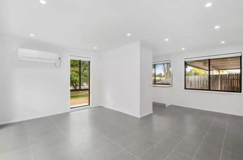 64-Banksia-Drive-Colo-Vale-Lounge and Dining